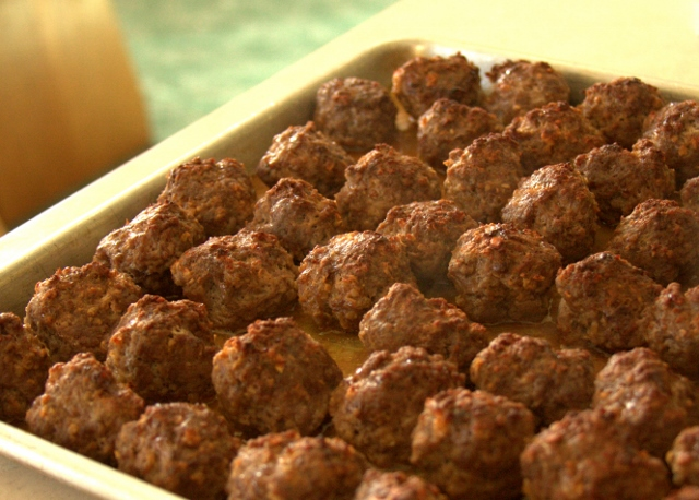 BBQ Meatballs for a Crowd